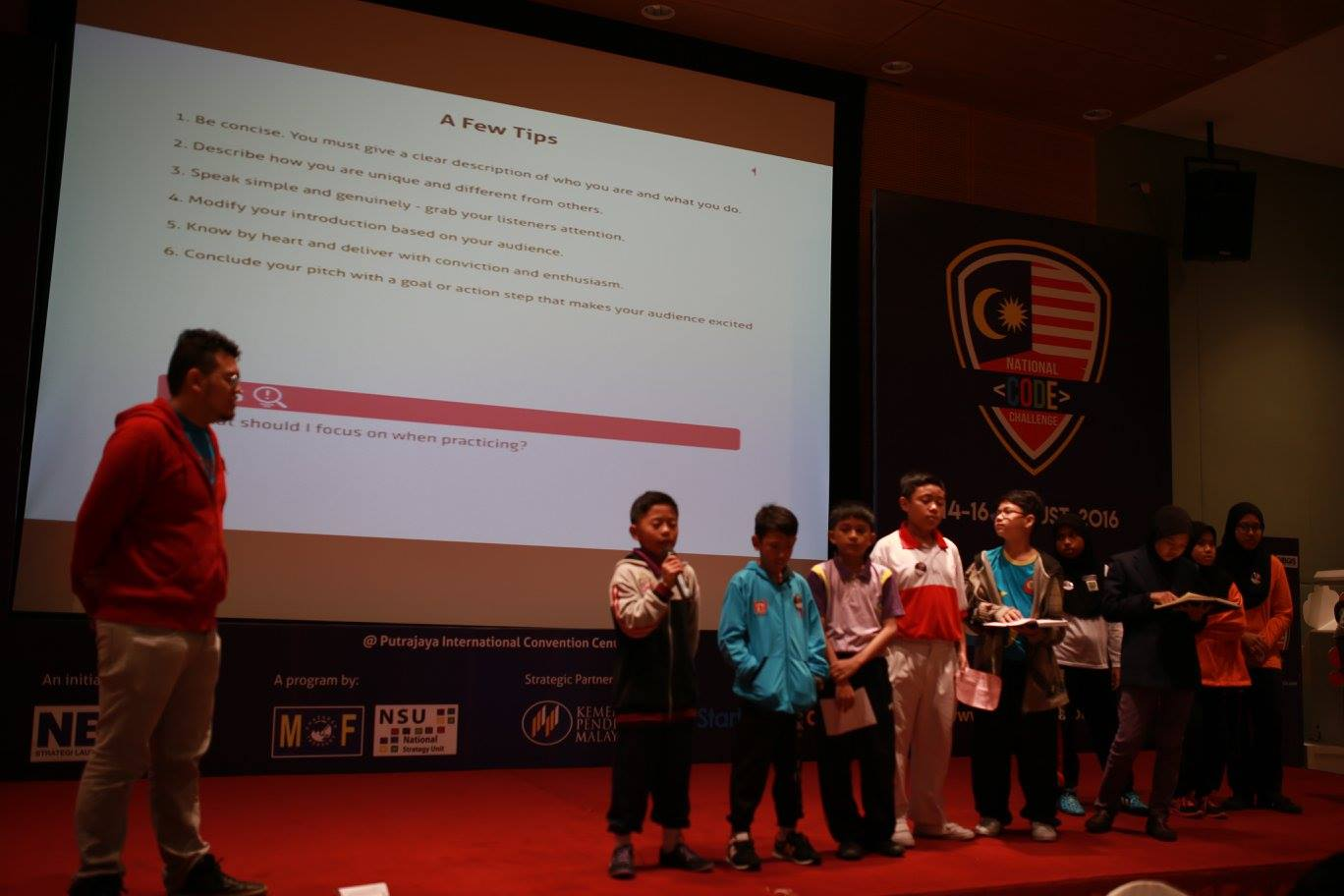 3000 Malaysian School Children Learn Programming With LiveCode